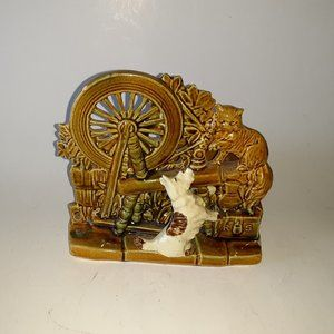Vintage Collector McCoy Wishing Well Planter